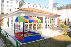 festa-infantil-tema-jardim-brinquedos