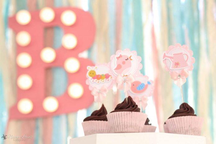 festa-infantil-tema-jardim-cupcakes