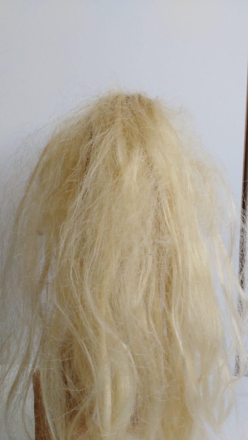 como-lavar-cabelo-das-bonecas