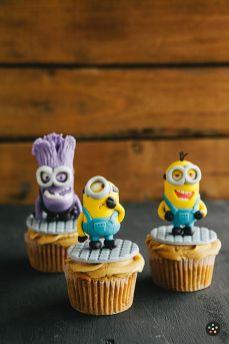 cupcake-minions-bolo