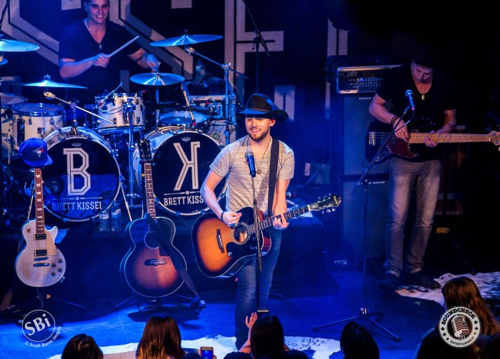 Brett Kissel Performs at The Roxy Theatre in Barrie on the Airwaves Tour: Photo Scott Burns
