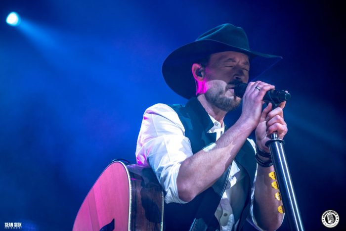 Paul Brandt live at the Canadian Tire Centre in Ottawa - photo by Sean Sisk Photography for Sound Check Entertainment