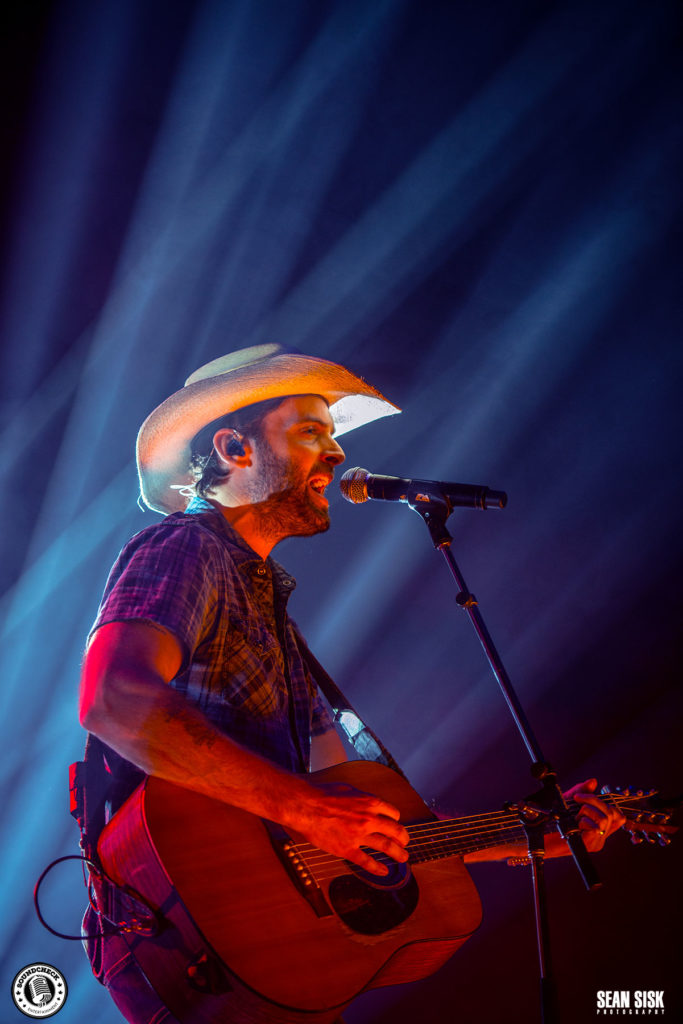 Dean Brody live at the Canadian Tire Centre in Ottawa - photo by Sean Sisk Photography for Sound Check Entertainment