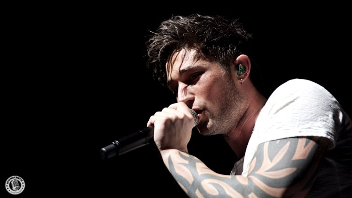 Michael Ray performs during the Blackout Tour stop @ Budweiser Gardens in London, ONT - Photo: Corey Kelly