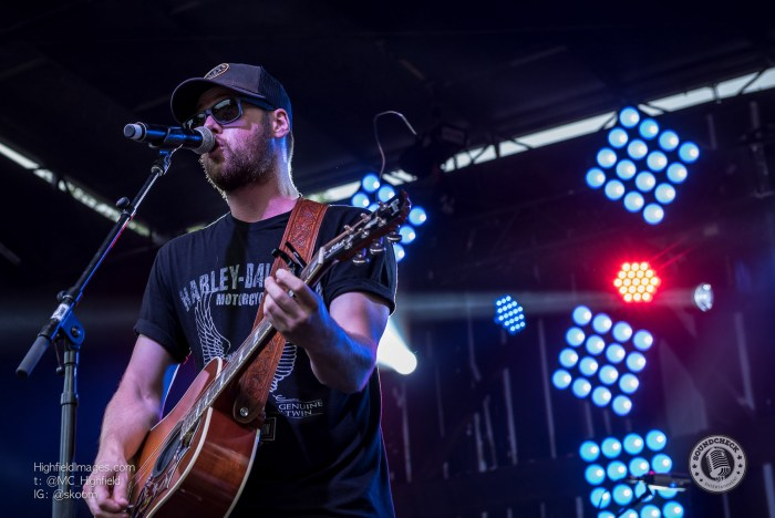 Andrew Hyatt performs at CMT Music Fest in Kitchener - Photo Mike Highfield