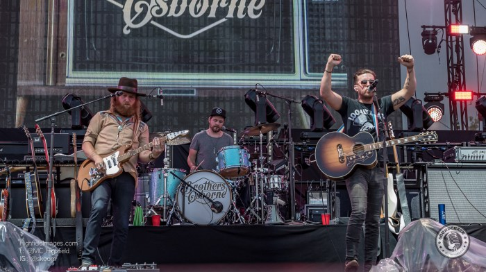 Brothers Osborne perform at CMT Music Fest in Kitchener - Photo Bill Woodcock