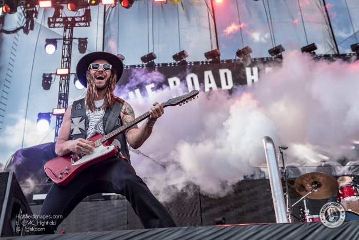 The Road Hammers perform at CMT Music Fest in Kitchener - Photo Mike Highfield