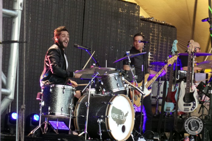 Thomas Rhett shows off his skills on the drums at RBC Bluesfest - photo by Hendrik Pape