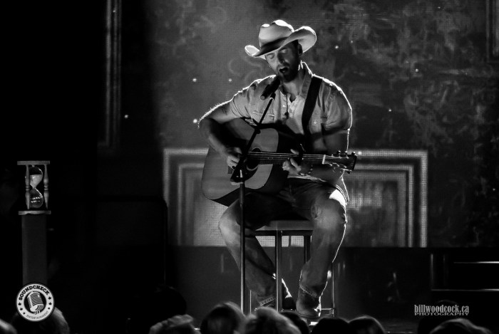 Dean Brody performs during the 2016 CCMA Awards in London, ON - Photo: Bill Woodcock