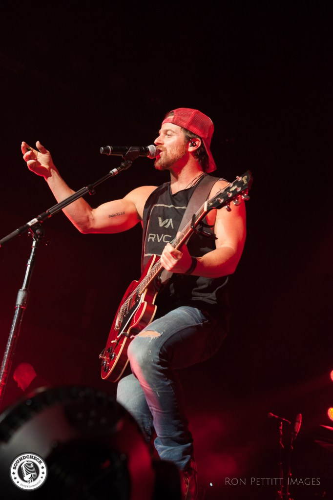 Kip Moore performs in Kingston, Ontario as part of his Me and My Kind tour October 13, 2016 photo by Ron Pettitt