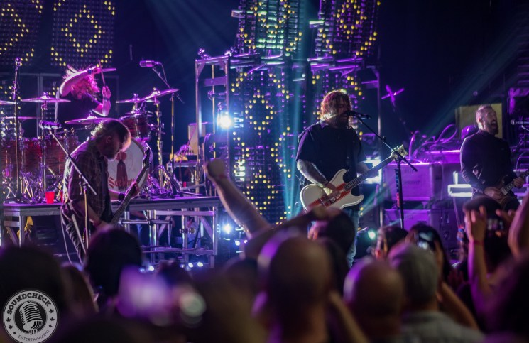 Seether rocks the Rapids Theatre in Niagara Falls, NY - photo by Mike Sansano