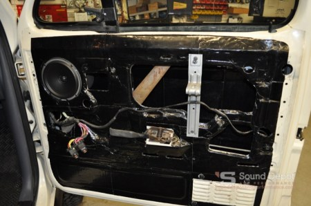 Ford Bronco Stereo