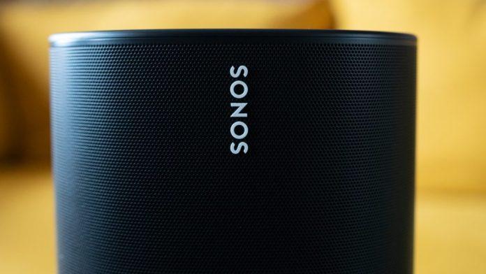 Close up of the white Sonos logo on the black speaker