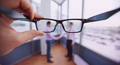 How are diabetes & blurry vision linked?