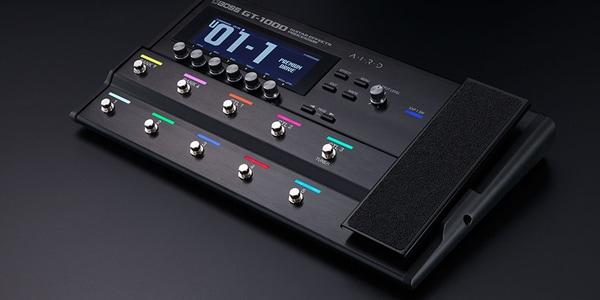 AIRDテクノロジーが次世代の音質を響かせるBOSS最新マルチエフェクター。音質と表現力を極限まで追求して生まれた、BOSS最高峰のフロア型ギター・アンプ/エフェクト・ユニット