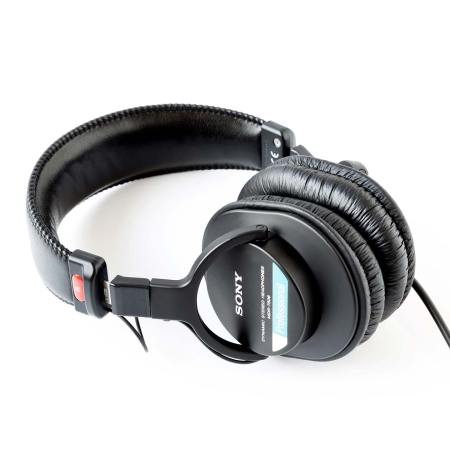 Sony MDR-7506 Cloased Back Professional Headphones