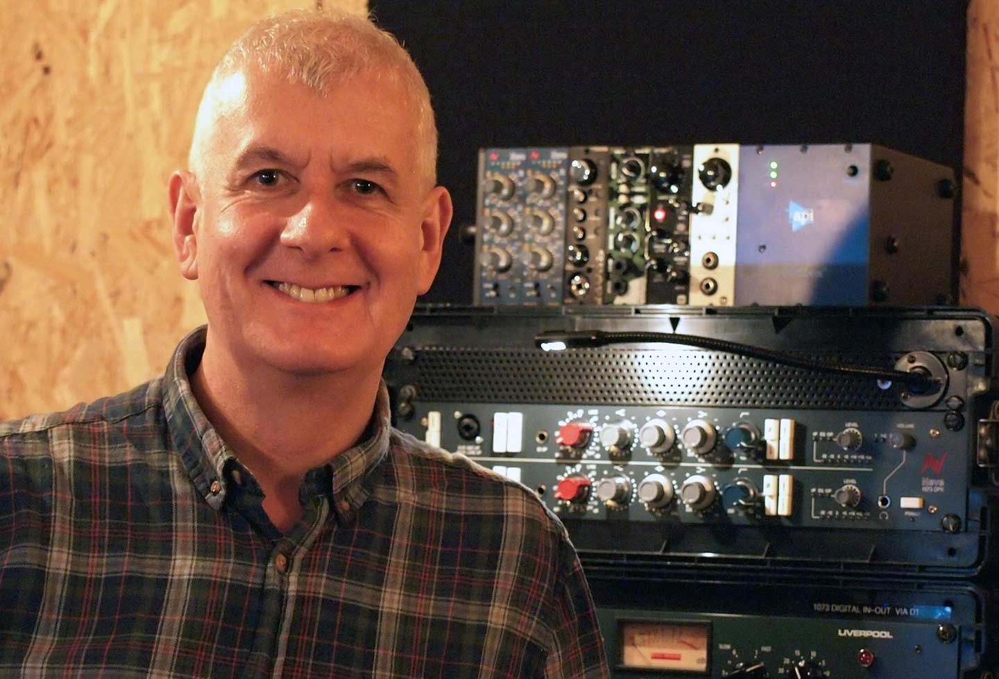 Steve Levine and the Meris 440 and Ottobit in studio