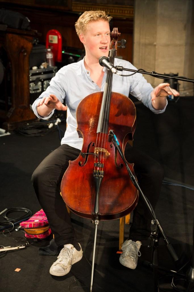 Too many mics on Cello