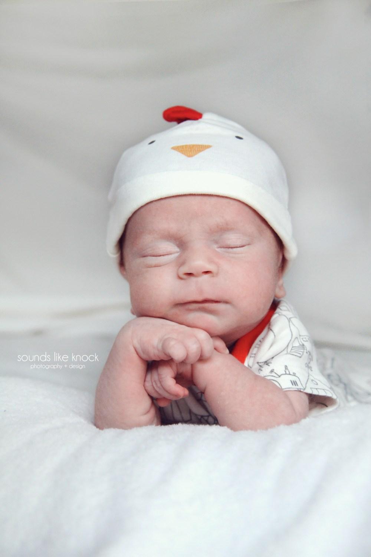 newbornphotoproppedup