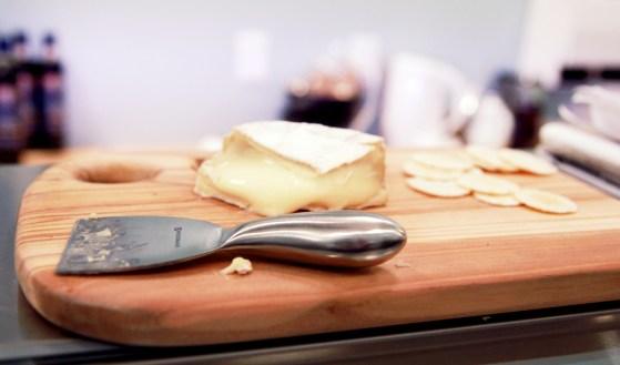 cheesecuttingboard