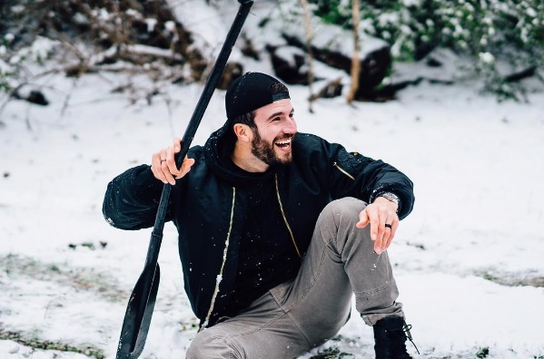 Why Sam Hunt Is Already Wearing A Wedding Ring Sounds