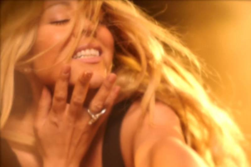 Mariah Carey Dikirim ke Rumah Sakit