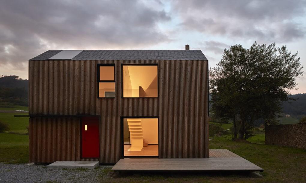 Sólo cinco horas toma montar esta moderna casa prefabricada | Studio [Baragaño]