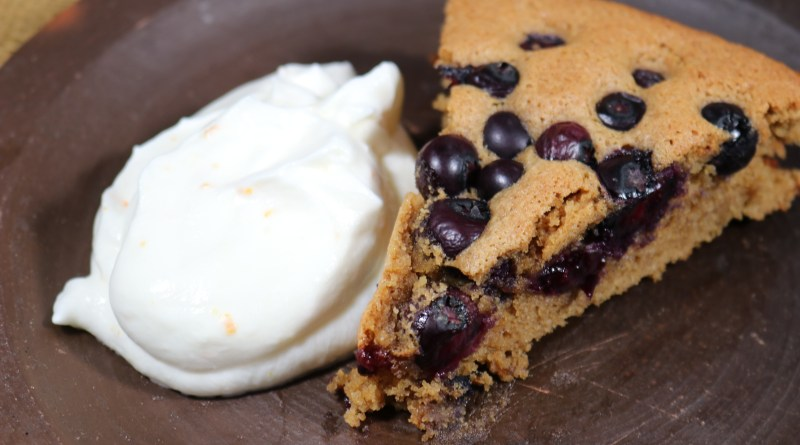 Almond and Maca Cake with Blueberries