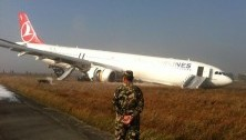 No Aussies on the plane with broken landing gear
