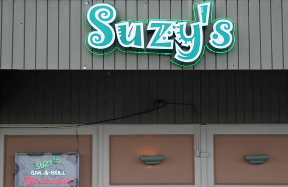 Suzy's Bar & Grill in Hermosa Beach