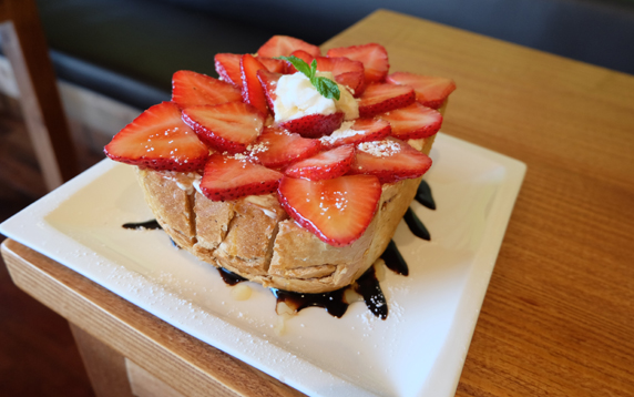 Honeybread topped with fresh strawberries