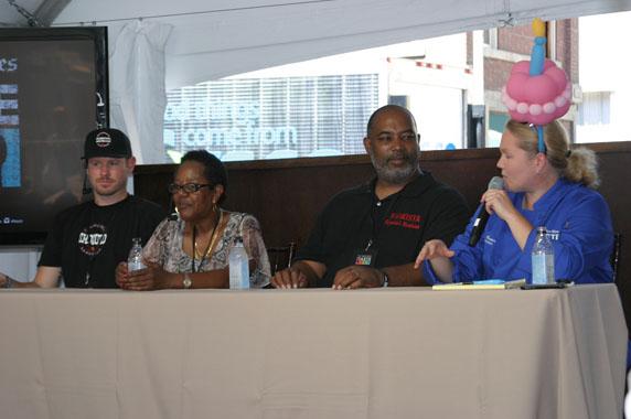 LA Timess Noelle Carter facilitates the panel discussion
