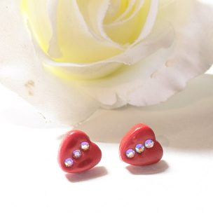 Small heart studs style 1