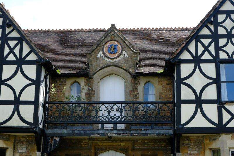 House with its own coat of arms