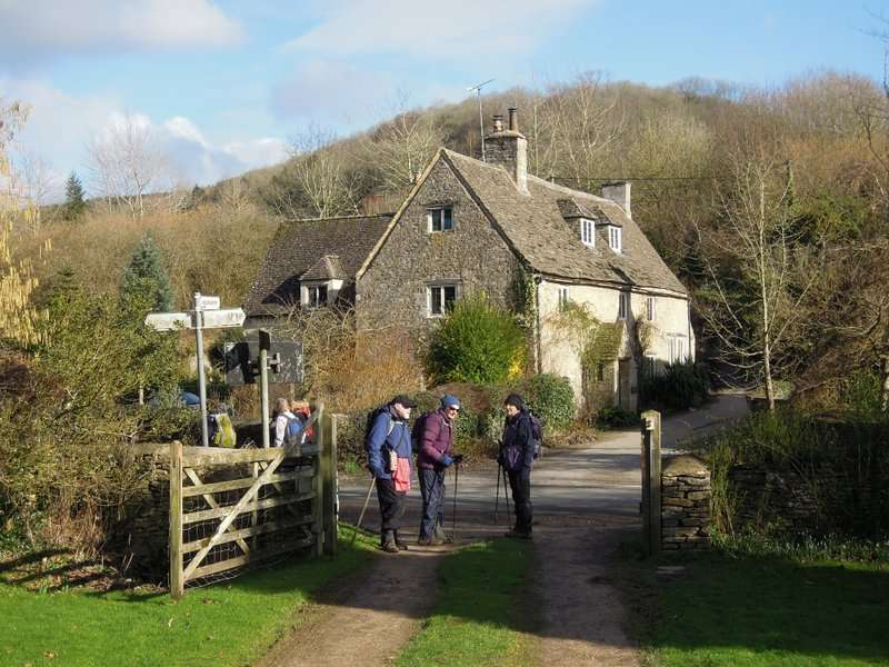 The village of Wortley: waiting for the electric gate to close