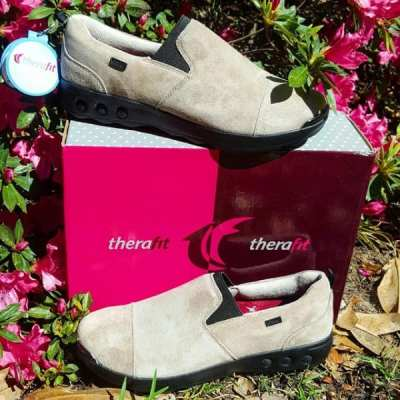 Step into the Spring with Therafit Footwear Samantha Giveaway! Ends 3/19