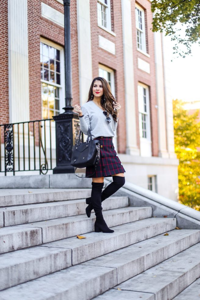 Grey V Neck Sweater and Plaid Skirt for Fall