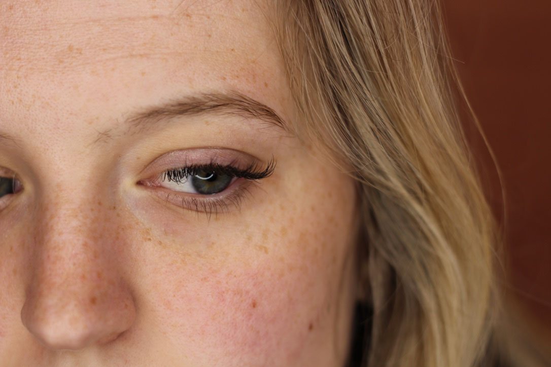 Eyelash extensions: Before and after