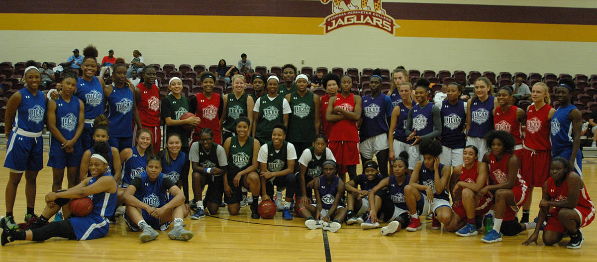 Here are the Lady Jets with the other NJCAA All-Stars.