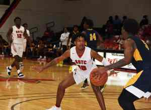 Marvin McGhee (10) played good defense and also had 16 points for the Jets in the win over Andrew College.