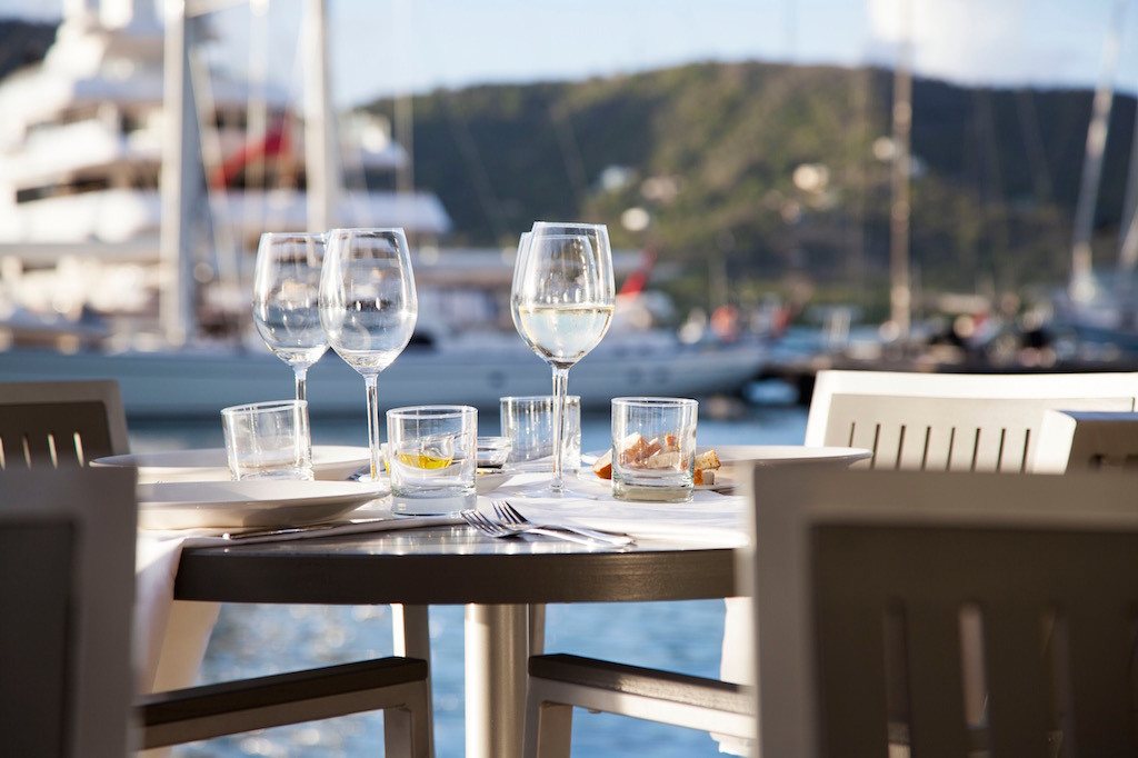 THE LOUNGE Located Within The Hotel Lobby And Above The Restaurant, South  Pointu0027s Lounge Overlooks The Falmouth Harbour Marina And Offers A Classy,  ...