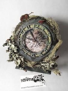 TacomaArt clock