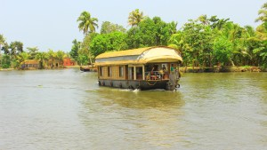 Alleppey houseboat tour