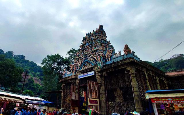 Kutralanathar Temple in Courtallam