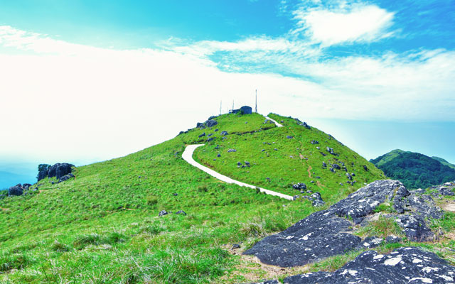 Ponmudi hill top view point