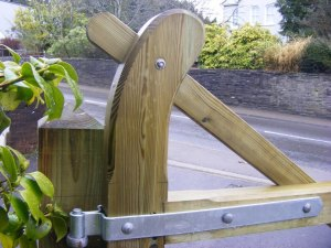 five-bar-farm-gate-ammanford-2