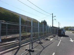 environmental-barrier-tesco-pontardullais-12