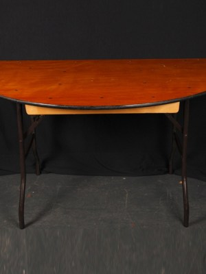 Half Round Table ( 5 ft x 2 ft 6 ins ) Used for making large oval tables )