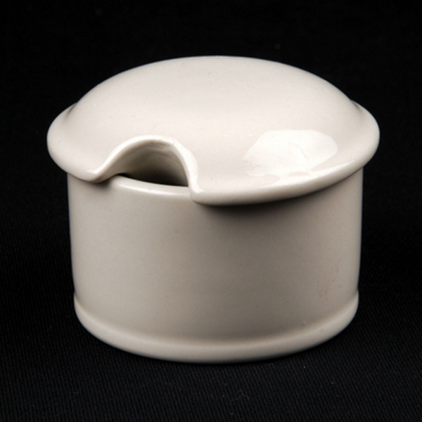 SALT PEPPER PINCH POT