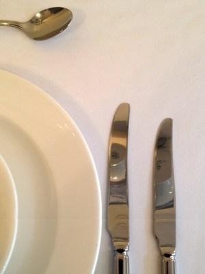 "White Tablecloth 70 "" X 108 "" ( 178 / 274 cm )"